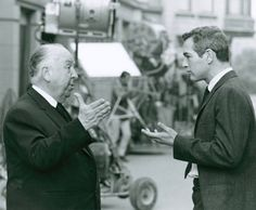 Paul Newman and Alfred Hitchcock on the set of Torn Curtain (Alfred Hitchcock, 1966)