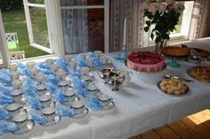 Hunajaa ja maitoa: Kakkuja ja juhlia