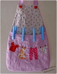 Esse blog foi feito para divulgar meus trabalhos com artesanatos. Lembrancinhas e mimos em feltro e tecido, entre outros.