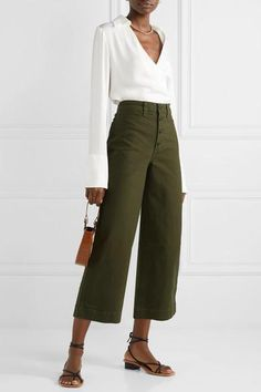 MADEWELL Emmett stretch-cotton canvas wide-leg pants, The Line By K Blouse, LOQ Sandals. Source by gracebwca pants outfits Wide Pants Outfit, Wide Leg Pants, Office Outfits, Casual Outfits, Fashion Outfits, Work Outfits, Womens Fashion, Look Office, Office Chic