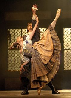 Elisha Willis and Robert Parker in 'Cyrano', Birmingham Royal Ballet