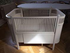 Tremmeseng, JUNOSENG, udtrækseng, Original juno seng fra 1950'erne i god stand. Original maling og patina (det slemmeste brugstegn se billede). Begge sider og madras medfølger.