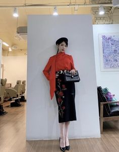 Luna Fashion, Asian Fashion, Kpop Fashion Outfits, Korean Outfits, Iconic Dresses, Cute Japanese Girl, Fashion Design Sketches, Mode Inspiration, Classy Outfits