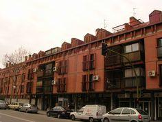Originales balcones tipo jaula Street View, Cage, Urban Landscape, Balconies, Originals, Cities, Scenery
