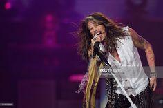 Singer Steven Tyler of Aerosmith performs onstage at Arena Ciudad de Mexico on October 27, 2016 in Mexico City, Mexico.