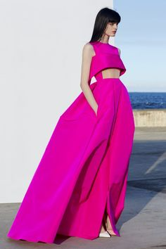 Get inspired and discover Alex Perry trunkshow! Shop the latest Alex Perry collection at Moda Operandi. Style Haute Couture, Couture Fashion, Runway Fashion, Fashion Week, Fashion Show, Fashion Outfits, Fashion Trends, Dress Fashion, High Fashion Dresses