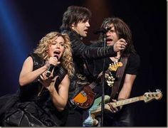 """The Band Perry received two nominations yesterday for the 2014 CMT Music Awards. The superstar sibling trio is nominated for """"CMT Performance of the Year"""" for their explosive performance of """"My Son. Country Music News, The Band Perry, Americana Music, Cmt Music Awards, New Woman, Superstar, Sibling, Concert, Note"""