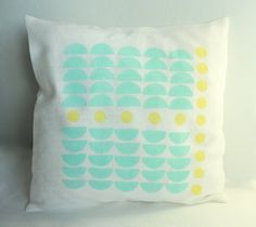 Linen pillow case by Limonera on Etsy