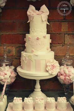 christening cake by Cotton and Crumbs - the perfect inspiration! Pretty Cakes, Beautiful Cakes, Theme Bapteme, Christening Cake Girls, Cotton And Crumbs, Bolo Cake, Baby Girl Cakes, Birthday Cakes For Women, Communion Cakes