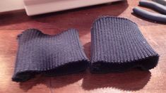 Tuto Blouson Bombers spécial printemps - Demereenfils.com : Blog Couture a quatre mains Blog Couture, Gloves, Vest, Jackets, Kimono, Fashion, Diy Clothing, Patterns, Sewing Tips