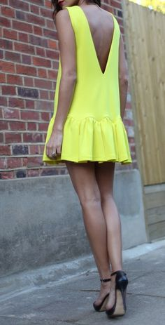 Gorgeous neon in a simple cut = impact