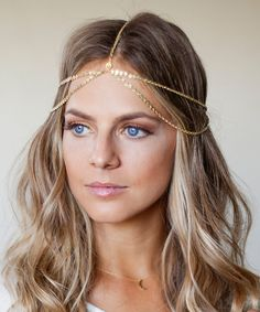 Barogirl Gold Head Chain Headdress Small Coins Hair Chain Jewelry Boho Prom Wedding Headpiece for Women (Gold) Chain Headband, Chain Headpiece, Boho Headpiece, Headpiece Jewelry, Bridal Headpieces, Headdress, Bridal Hair, Bohemian Hairstyles, Wedding Hairstyles
