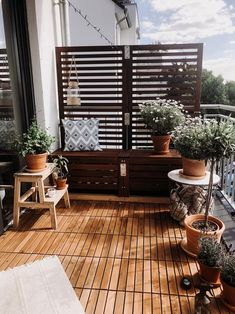 When wonderful_family steps onto her balcony, she is greeted by her many plants with a gentle fragrance and the rustling of the leaves in the wind. You can find more great garden inspiration here Small Balcony Design, Small Balcony Decor, Ikea Applaro, House Cladding, Rooftop Patio, Ikea Home, Beautiful Interior Design, Jacuzzi, Diy Home Decor