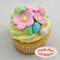 Floral Easter Cupcake. I LOVE the colors!