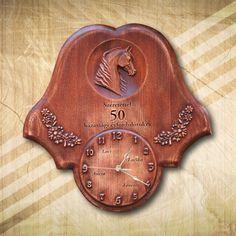50. házassági évfordulóra lovas-különleges falióra - Mívesfa #évfordulósajándék #hazasságiévfordulóra #50házassági évforduló #ajándék #falióra #egyediajándék #névreszólóajándék #lovasajándék Horse Art, Clock, Horses, Home Decor, Watch, Decoration Home, Room Decor, Equine Art, Clocks