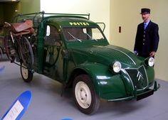 Citroen_2CV_fourgonnette_PTT de 1954 Musée de Chatellerault