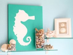 DIY Canvas Beach Art - Great idea for bathroom art and decoration Create Canvas, Diy Canvas Art, Diy Wall Art, Diy Wand, Beach Theme Bathroom, Bathroom Art, Beach Room, Design Bathroom, Bathroom Colors
