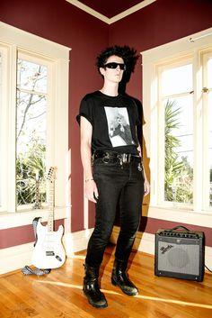 Established in 2014 by designer Shane Gonzales, MIDNIGHT STUDIOS is an American-based label that combines punk & youth street style in an anti-aesthetic manner. British Punk, Walking Man, Fall Lookbook, Fall Winter, Autumn, Streetwear Brands, Hypebeast, Studios, Street Wear