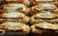 Sütőben sült hotdog recept Keszeg Emese konyhájából - Receptneked.hu Meat Recipes, Hot Dogs, Pizza, Breakfast Recipes, Sausage, Bacon, Brunch, Favorite Recipes, Dinner