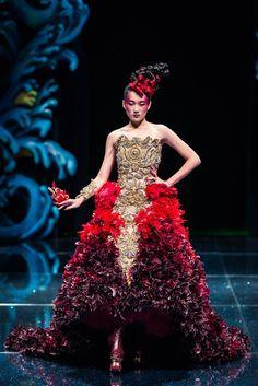 Costumerism - fashionide: Guo Pei's Legend of the Dragon If...