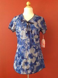 NWT! KOI Bidgette Blue Pretty Denim Floral Scrub Top Size S NEW #Koi