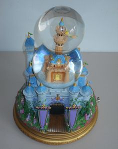 Disney Tinker Bell Castle Musical Snow Globe With The Box