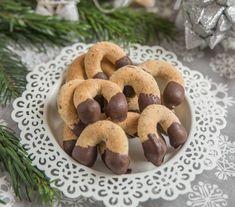 Csokis-diós kifli alaprecept Recept képpel - Mindmegette.hu - Receptek Cute Bento, Winter Food, Cake Cookies, Food And Drink, Cooking Recipes, Sweets, Fruit, Cakes, Mat