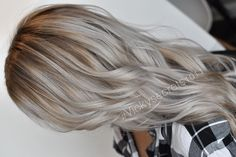 Aye gorgeous  perfect shadow root for my usually platinum blonde. Such a perfect color on her. #goals • • • • • • #vickysecrets1011 #balayage #platinum #platinumblonde #whitehair #silverhair #meltedroot #shadowroot #colormelt #nikon #nikond5500...