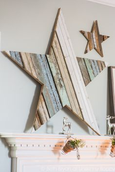 DIY Reclaimed wood star on a Christmas mantel