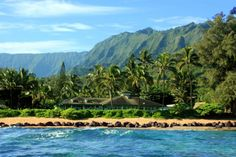 10 Best Luaus and Places for Traditional Hawaiian Food on Kauai
