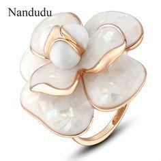 Nandudu 고품질 뜨거운 판매 피는 꽃 반지 신부 약혼 반지 플래시 판매 보석 선물 R681