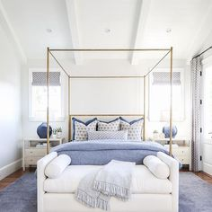 What coastal bedroom dreams are made of! night night Pooh What coastal bedroom dreams are made of! Coastal Bedrooms, Guest Bedrooms, Luxurious Bedrooms, Dream Bedroom, Home Decor Bedroom, Master Bedroom, Bedroom Furniture, Bedroom Ottoman, Bedroom Rugs