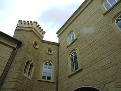 Chyše- chateau- pseudo-gothic courtyard