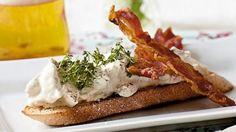 Klassisk hønsesalat med bacon og asparges