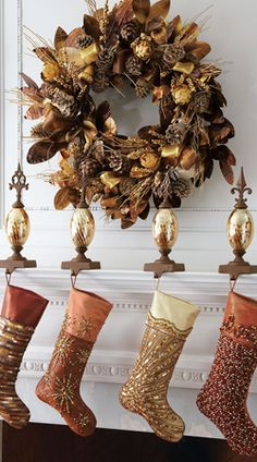 Glitter and Gold, festive holiday mantel!!! Bebe'!!! Love this gorgeous Christmas wreath!!!
