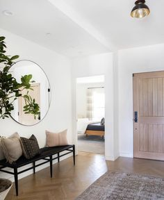 The full home reveal of Client Say No Morrison in Los Angeles, California, designed by Amber Lewis of Amber Interiors. Interior Exterior, Home Interior, Interior Design, Decoration Inspiration, Interior Inspiration, Home Buying Tips, Entry Way Design, Amber Interiors, House Entrance