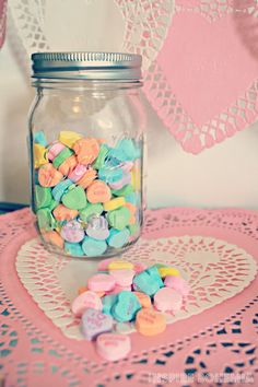 Inspire Bohemia: Strawberry Cupcake Recipe + Valentine's Day Crafts and Decorating. Valentines Day Tablescapes, Valentine Day Crafts, Valentine Decorations, Strawberry Cupcake Recipes, Valentine's Day Diy, Cacti And Succulents, Business Design, Staging, Yummy Treats