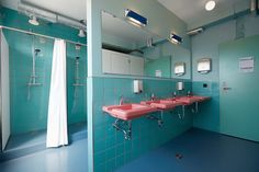 <p>ODDSSON hotel & hostel in Reykjavik plays against the rules. Located in a former 1940s warehouse building –a famous JL House – it offers a beautiful view of the Faxafloi bay. To maintain the in