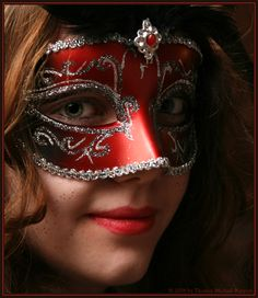 * red mask * von Thomas Michael Rappers