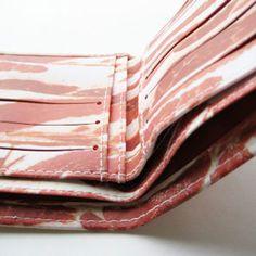 【楽天市場】アクータメンツ ベーコン ウォレット【Accoutrements Bacon 財布 服飾雑貨】:アントデザインストア