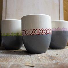 Excellent Screen Ceramics Glaze painting Tips Becher aus der Deichmanufaktur Pottery Mugs, Pottery Bowls, Ceramic Pottery, Pottery Art, Pottery Ideas, Ceramic Painting, Diy Painting, Ceramic Art, Stoneware Clay