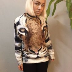 Smooooth Clothing Barcelona Tiger Face Sweatshirt. Original price $100 CAD, £73, sold out online. Smooth on the outside, ridiculously soft on the inside. #soft #smoooothclothingbarcelona #tiger #sweatshirt #sweater #longsleeve #shirt #cat