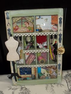 Retro knitting and sewing case hecho por tus manos for Case in metallo stile ranch