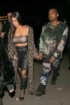 Arriving at the Off-White fashion show with Kim Kardashian West during Paris Fashion Week in Paris. Style Kanye West, Kanye West Family, Kanye West Outfits, Kanye West Fashion, Kourtney Kardashian, Kardashian Style, Kardashian Kollection, Fashion Mode, Fashion Week