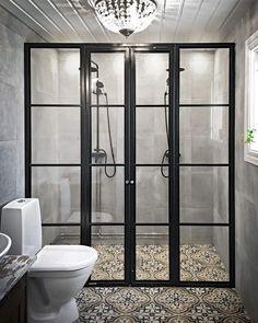"""683 gilla-markeringar, 62 kommentarer - Siberg Design (@sibergdesign) på Instagram: """"Till det här vackra badrummet har vi byggt en duschvägg i svartlackerat, rostfritt stål med…"""""""