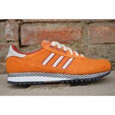 e7bffc623aff4 35 najlepszych obrazów z kategorii sport shoes ads | Adidas sneakers ...