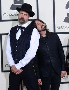 Ex integrantes de Nirvana juntos: Krist Novoselic y Dave Grohl