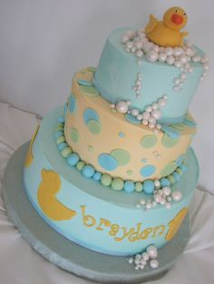 AMY'S DUCK BABY SHOWER CAKE. BUBBLES AND DUCK CAKE