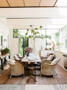 Inside the Stylish Spaces of 11 Top Comedians via @domainehome