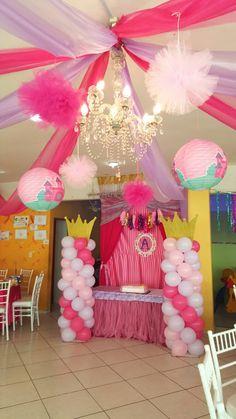 Hoy tocó  Baby Shower  temática princesa! Tonos preciosos decoración Salón Scala ...organizamos tu evento desde 40 personas  totalmente  climatizado, aprovecha pagando SIN INTERESES teléfono 9357535, 2299018485